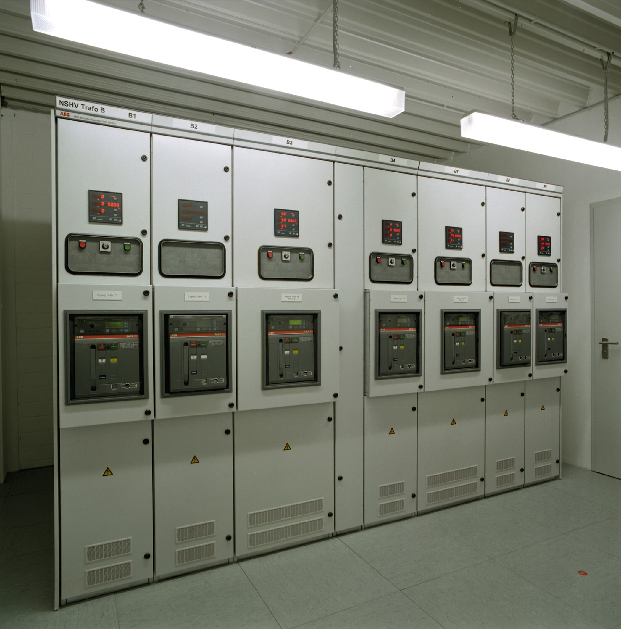 Switchgear<br>Image No.: 010041_7