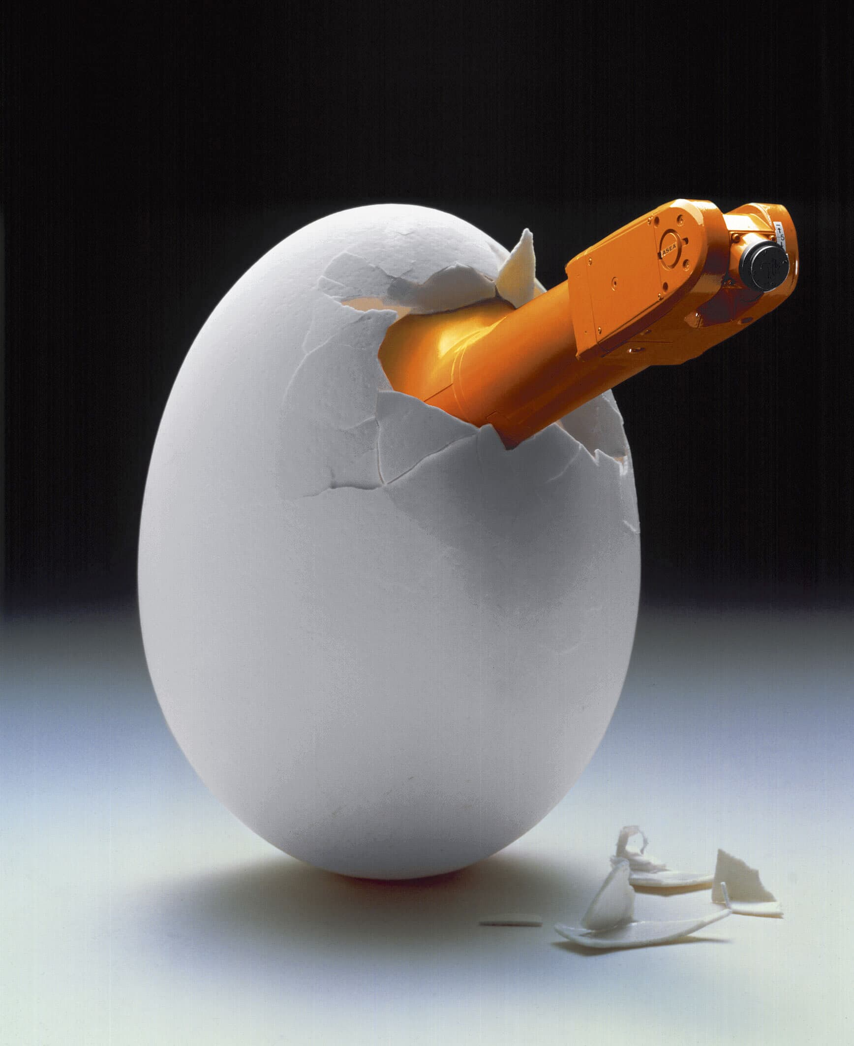 4 IRB 2000 arc-welding, AC-powered robot was born out of an egg at a show  in Brussels in 1986