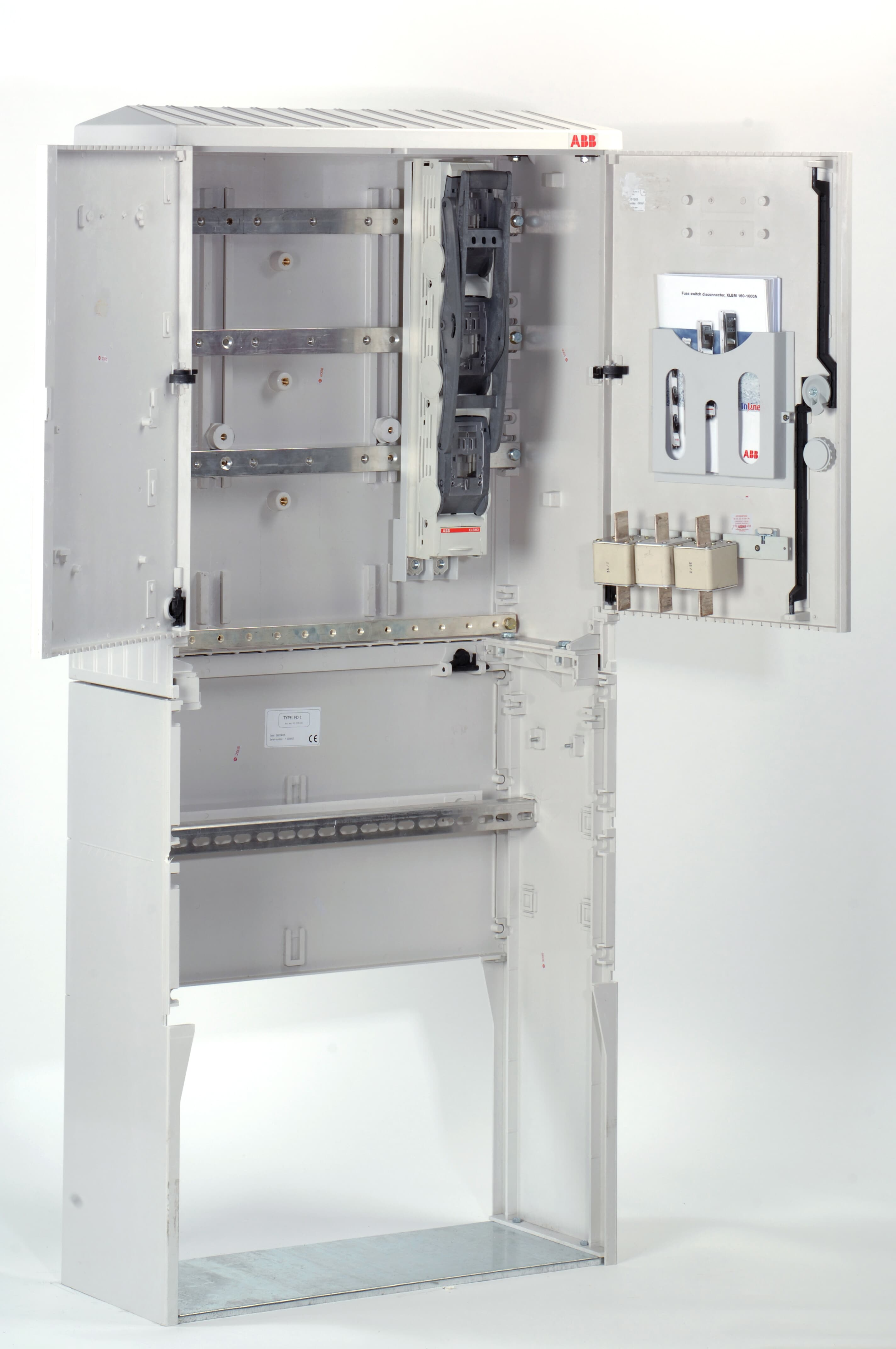 Cable distribution cabinet, polyester with DIN busbars